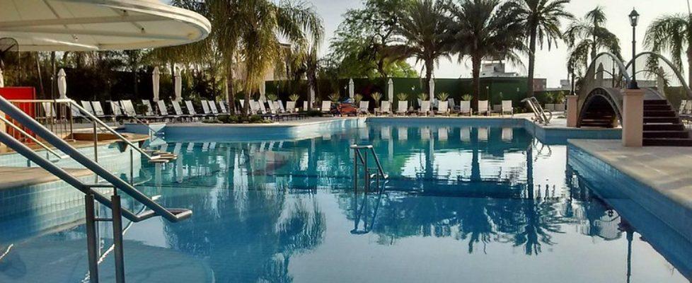 hotelowy-basen